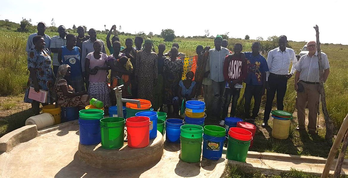 c05-community-well-with-buckets